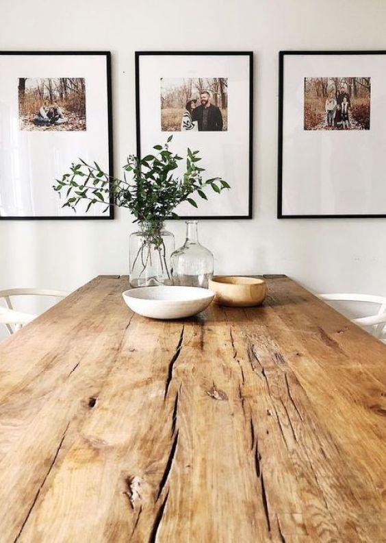 Decoración de pared de salón comedor con retratos en blanco y negro familiaresl, beneficios de un buen interiorismo de tu hogar para tu salud @Utrillanais