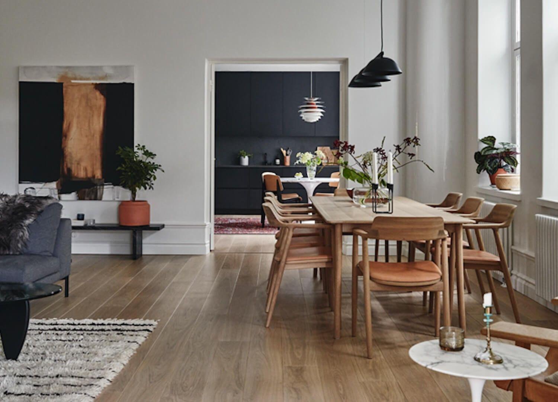 Salón-comedor con un interiorismo de estilo nuevo nórdico en tonos neutros @Utrillanais