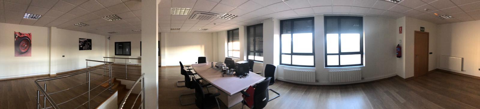 Estado inicial de los espacios de oficinas en Salamanca, espacio abierto para dividir en sala de juntas y despachos, proyecto interiorismo online @Utrillanais