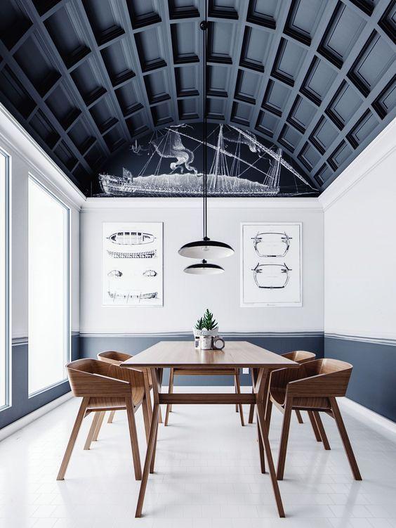 7 Maneras de introducir el color Pantone 2020 en tu decoración de interiores, en este caso elegir el techo de tu comedor @Utrillanais