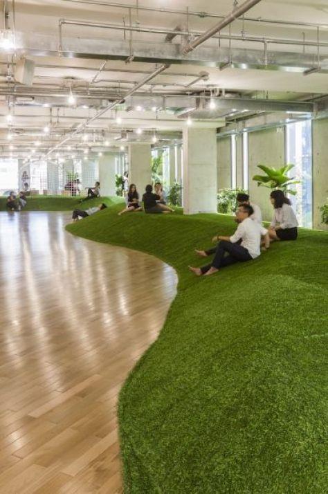 Espacios de oficina y coworking inundados con plantas para aumentar el bienestar general, biofillia @Utrillanais