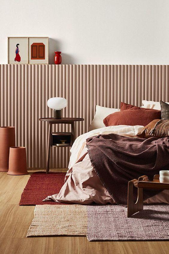 Habitación japandi de tonos naranjas y terracota de estilo nórdico contemporáneo, tendencias 2020 en diseño e interiorismo . #AnaUtrillainteriorismo @utrillanais