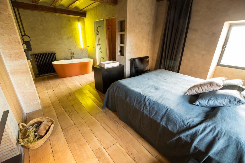 Habitación de estilo rústico moderno del hotel consolación @utrillanais