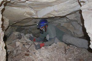 Na Necrópole de Luxor, no Egito, a equipe coordenada pela Universidade Federal de Minas Gerais (UFMG) foi até o final de um poço de mais de 4 metros de profundidade, onde encontrou uma nova tumba com sete corpos.