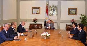 الرئيسى السيسى يستقبل رئيس شركة بوينج العالمية بحضور وزير الطيران المدنى ووزير الاتصالات