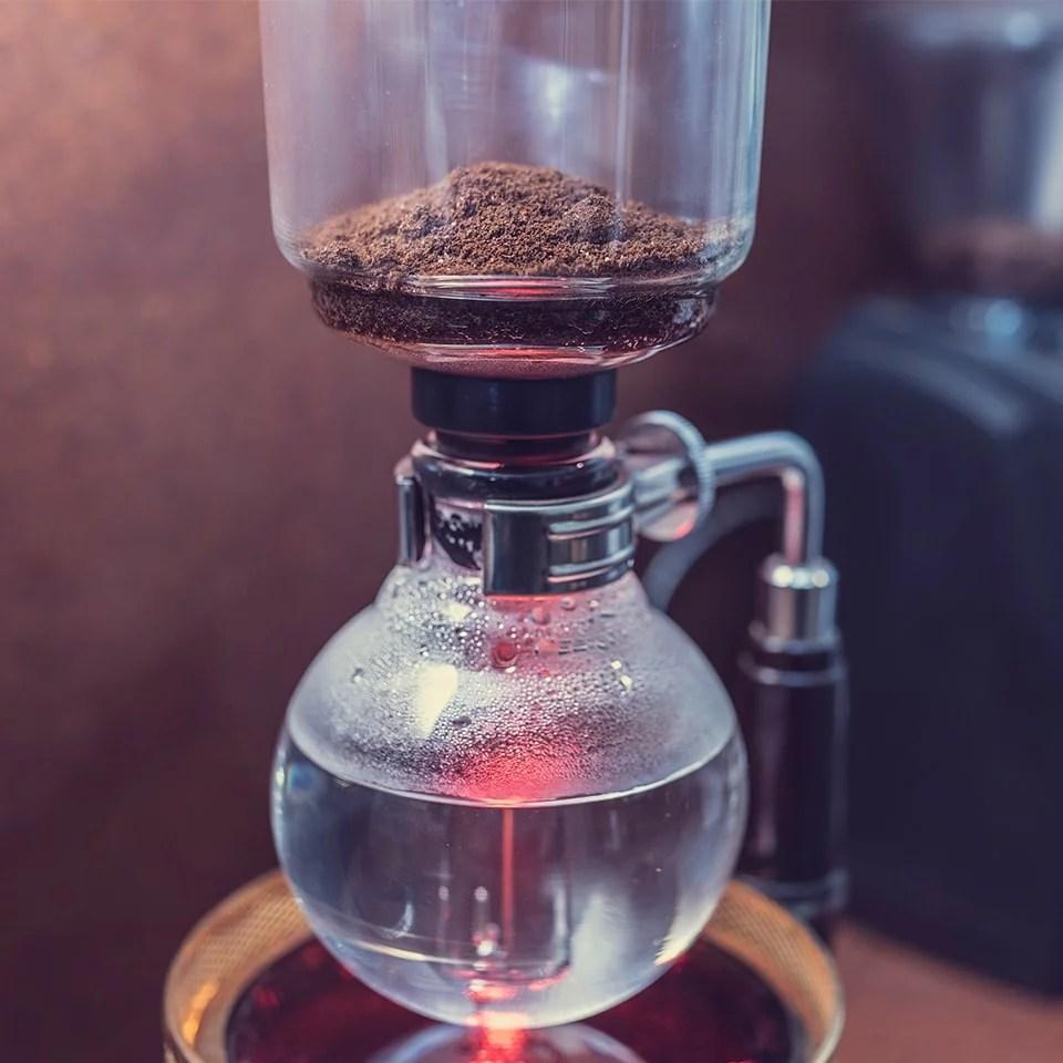 Anbassa-artisan-torrefacteur-preparer-son-cafe-syphon-slide-5-1