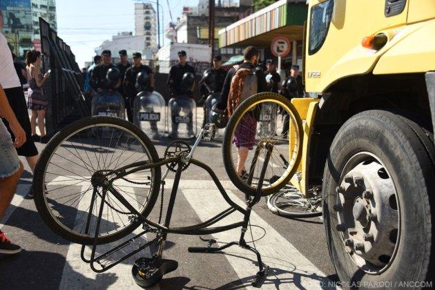 Bicicleta dada vuelta