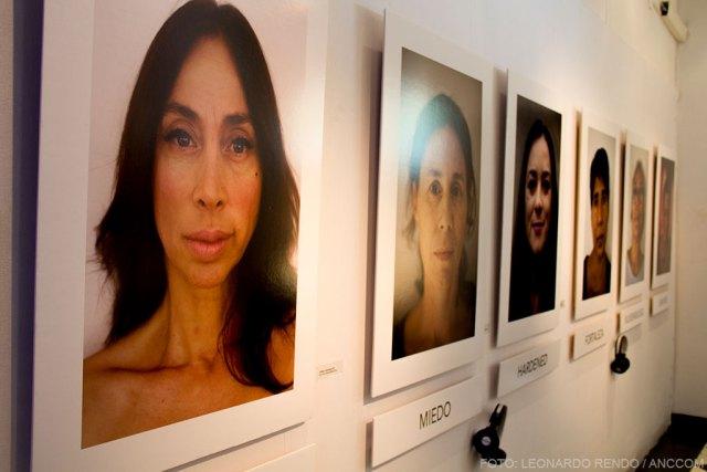 Retratos fotográficos de la muestra de Eleona Ghioldi.