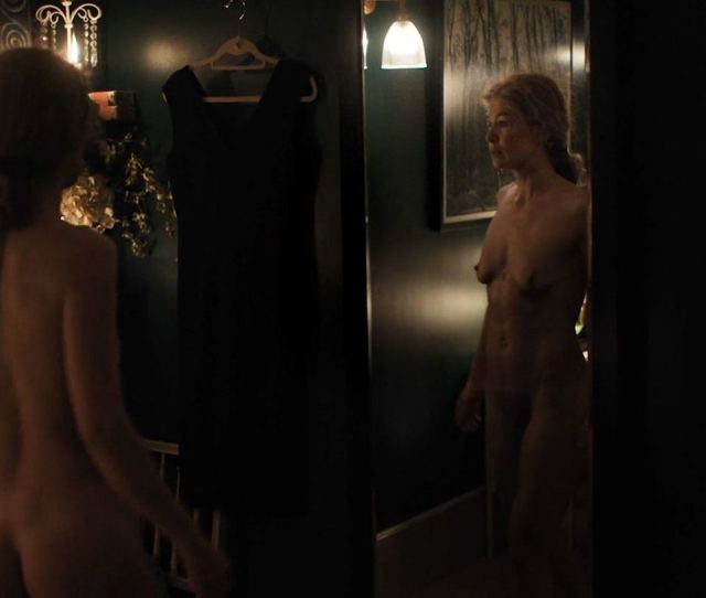 Naked Rosamund Pike In A Private War Ancensored