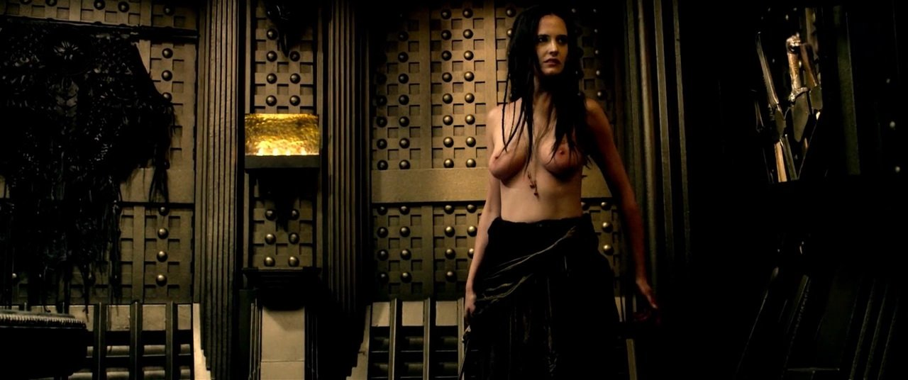 Naked Eva Green in 300 Rise of an Empire