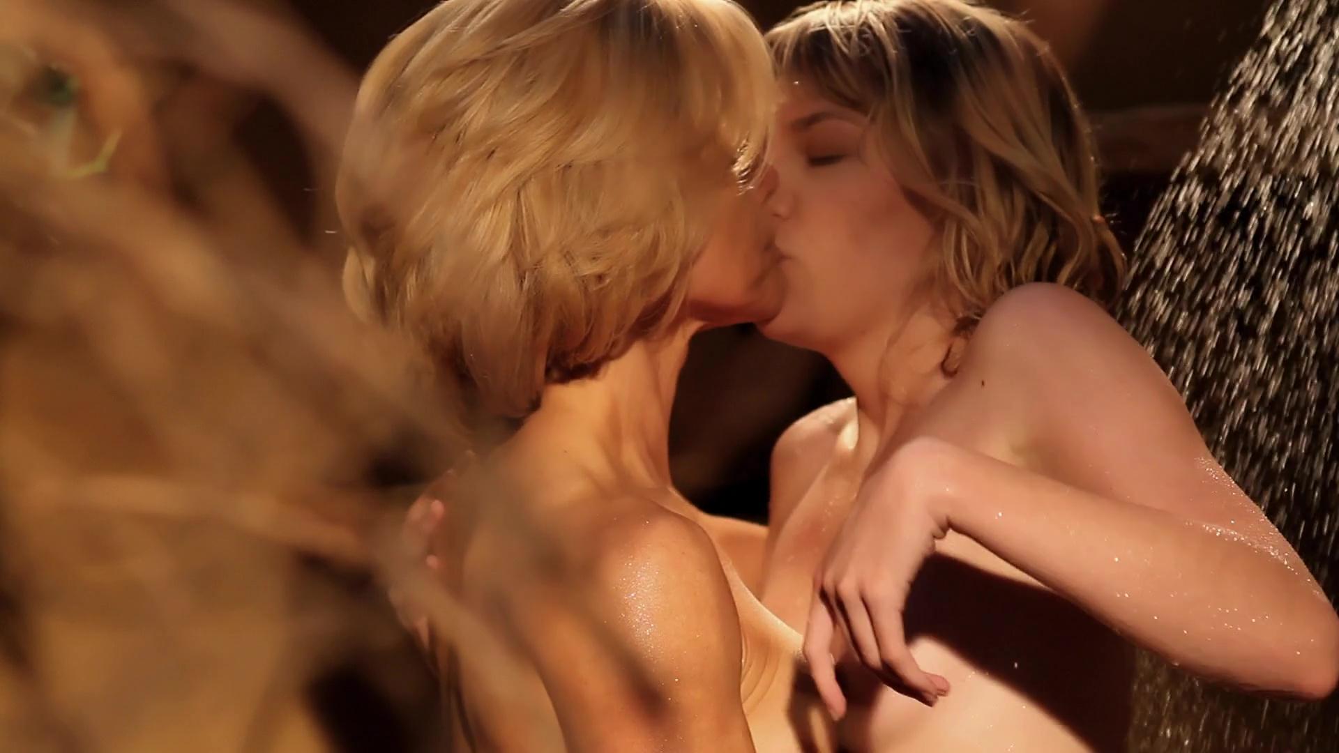 Naked Laura Kobar in Anthem