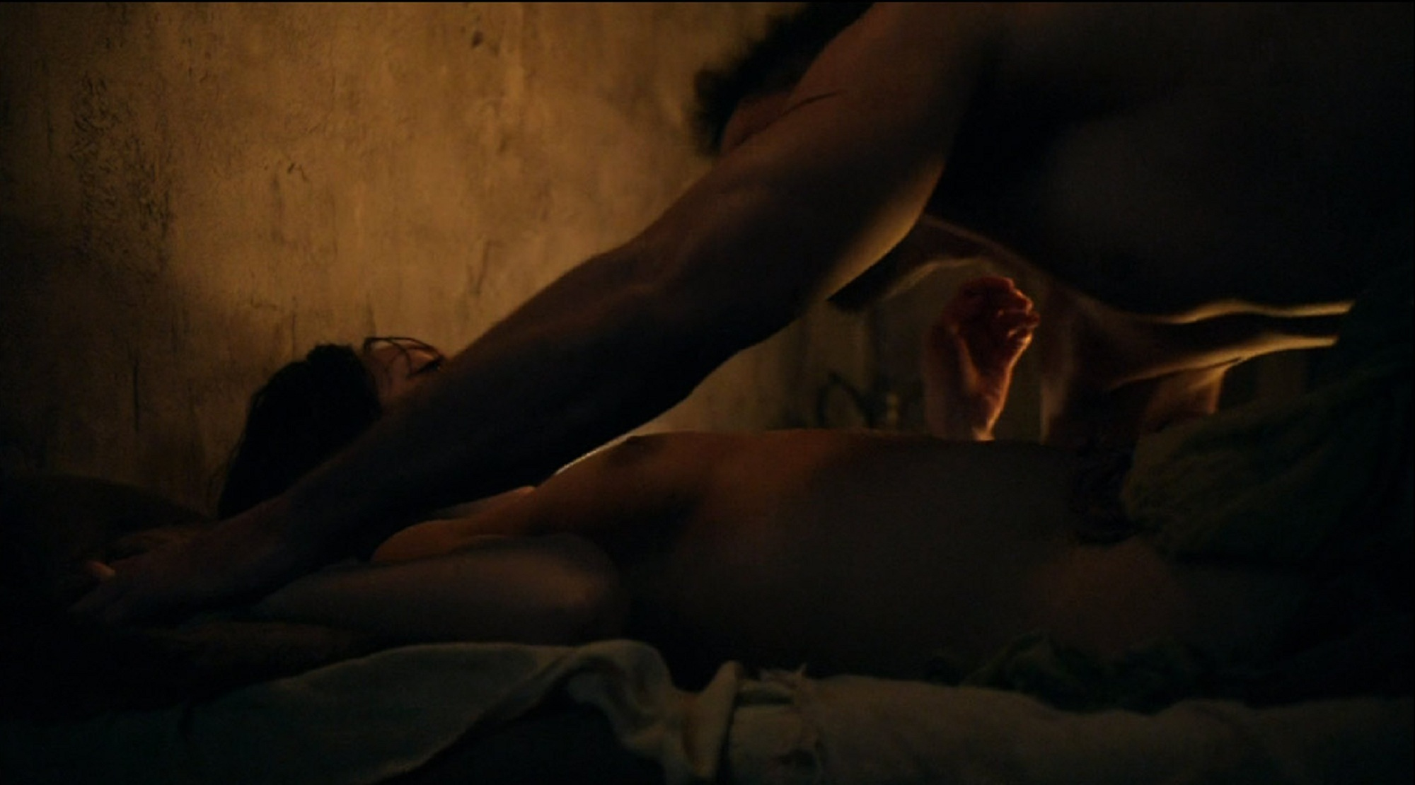 Naked Cynthia AddaiRobinson in Spartacus Blood and Sand