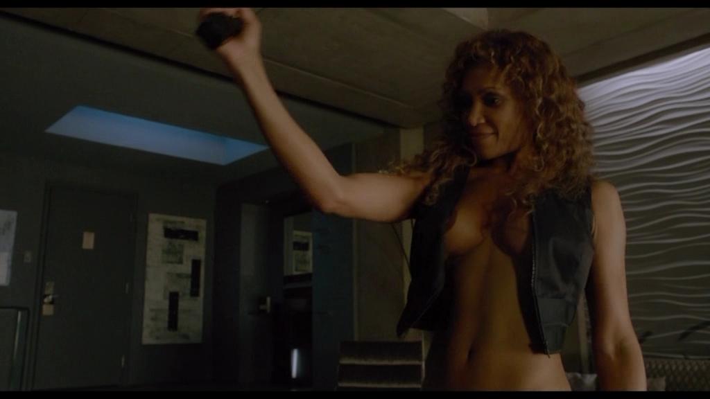 Naked Patricia McKenzie in Cosmopolis