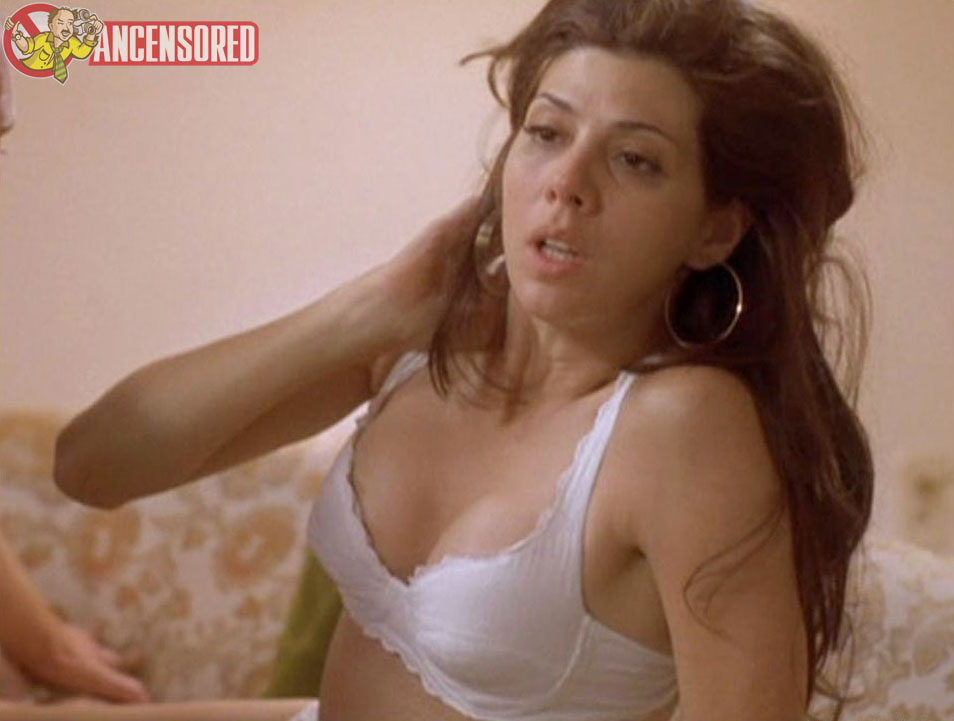Naked Marisa Tomei in Slums of Beverly Hills