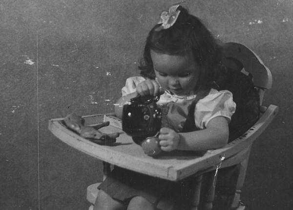 Vera Marie Kaser tea time