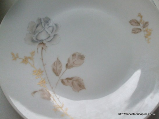 Heirloom china Forest rose pattern