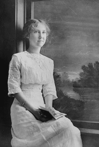 Mamie Eisenhower at the age of 17