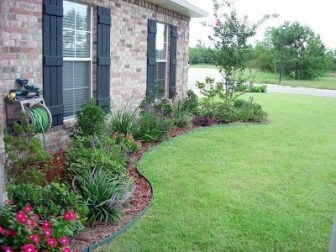 Amazing Front Yard Design Ideas that Makes You Never Want to Leave 16