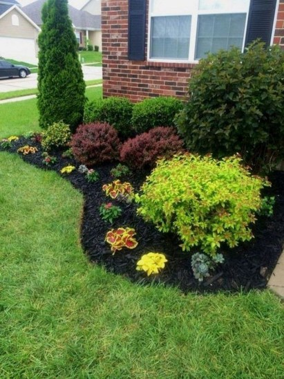 Amazing Front Yard Design Ideas that Makes You Never Want to Leave 36