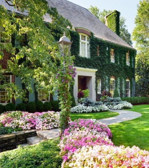 Beautiful Flower Garden for Your Front Yard 36