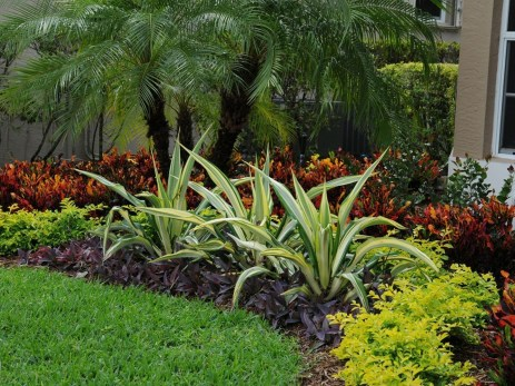 Beautiful Front Yard Landscaping Ideas On A Budget 04