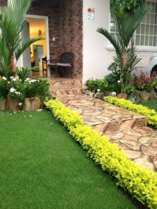 Beautiful Front Yard Landscaping Ideas On A Budget 11