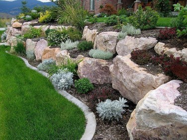 Beautiful Front Yard Landscaping Ideas On A Budget 19