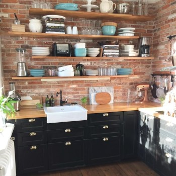 Best DIY Farmhouse Kitchen Decorating Ideas 06