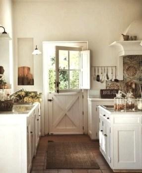Best DIY Farmhouse Kitchen Decorating Ideas 24