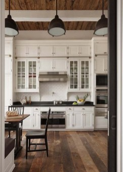 Best DIY Farmhouse Kitchen Decorating Ideas 25