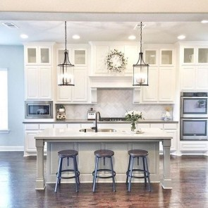 Best DIY Farmhouse Kitchen Decorating Ideas 28