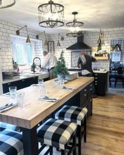 Best DIY Farmhouse Kitchen Decorating Ideas 46