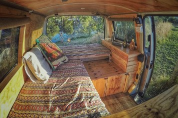 Brilliant Camper Van Conversion for Perfect Outdoor Experience 40