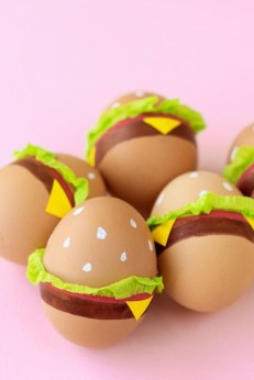 Brilliant DIY Egg Decorating Ideas 44