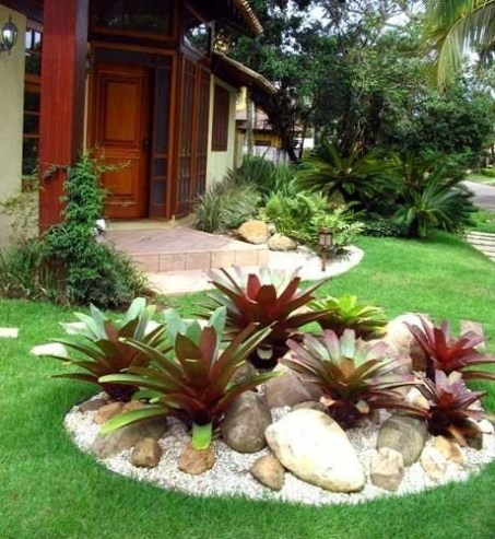 Clever & Beautiful Yard Island Landscaping for Backyard and Front yard 03