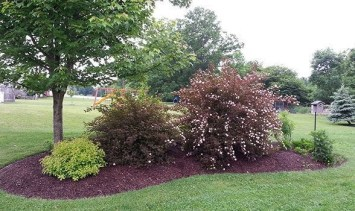 Clever & Beautiful Yard Island Landscaping for Backyard and Front yard 04