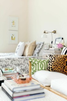Clever and Creative Decorating Ideas for Small Home 30
