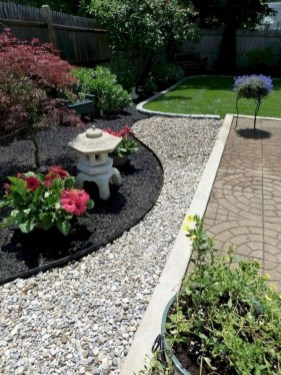 Easy And Low Maintenance Front Yard Landscaping Ideas 28