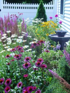 Easy And Low Maintenance Front Yard Landscaping Ideas 56
