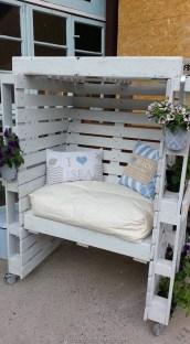Inspiring DIY Outdoor Furniture Ideas 42