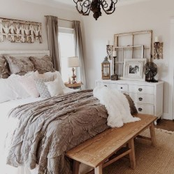 Outstanding Rustic Master Bedroom Decorating Ideas 04