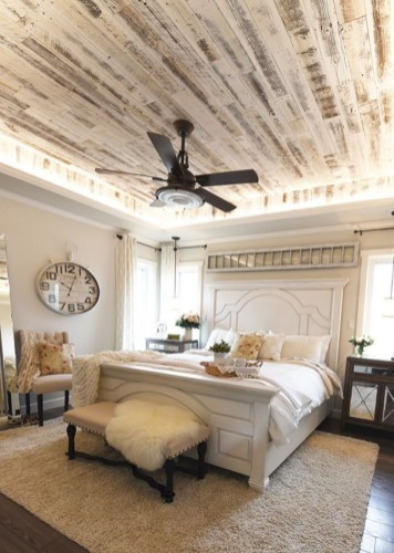 Outstanding Rustic Master Bedroom Decorating Ideas 31