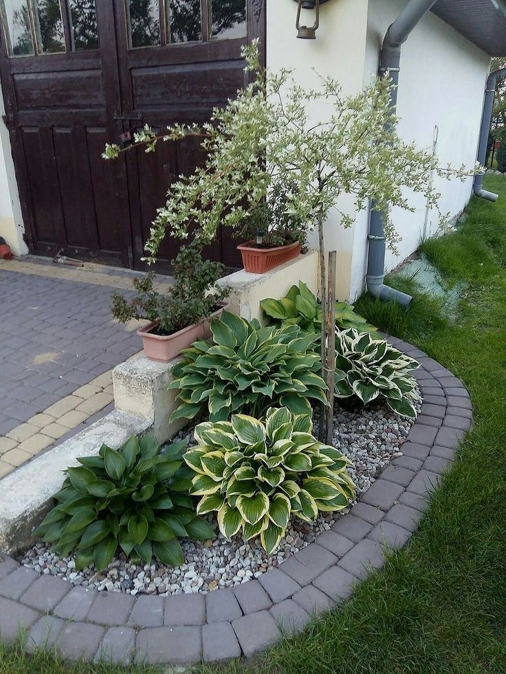 Simple But Beautiful Front Yard Landscaping Ideas 50