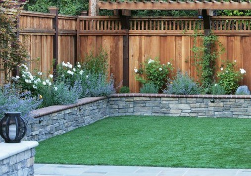 Amazing Privacy Fence Ideas to Perfect Your Backyard 10