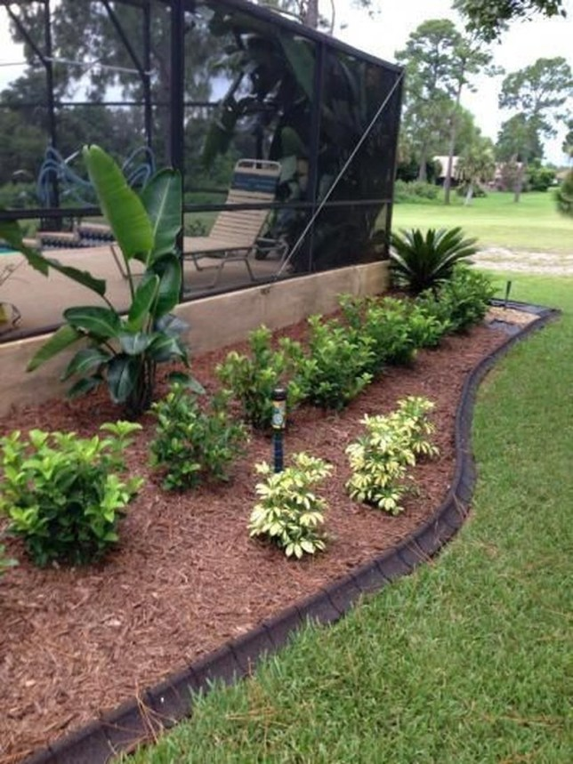 Amazing Privacy Fence Ideas to Perfect Your Backyard 12