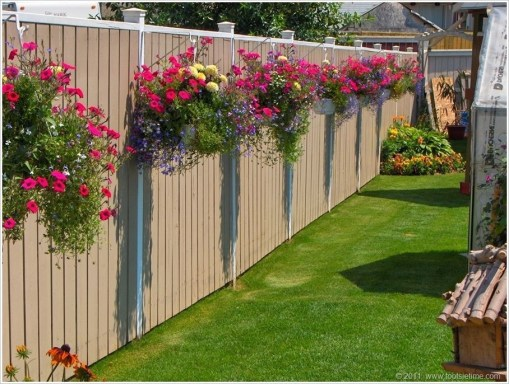 Amazingly Creative Long Planter Ideas for Your Patio 08