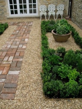 Amazingly Creative Long Planter Ideas for Your Patio 18