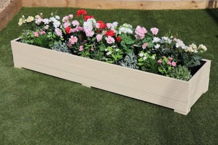 Amazingly Creative Long Planter Ideas for Your Patio 22