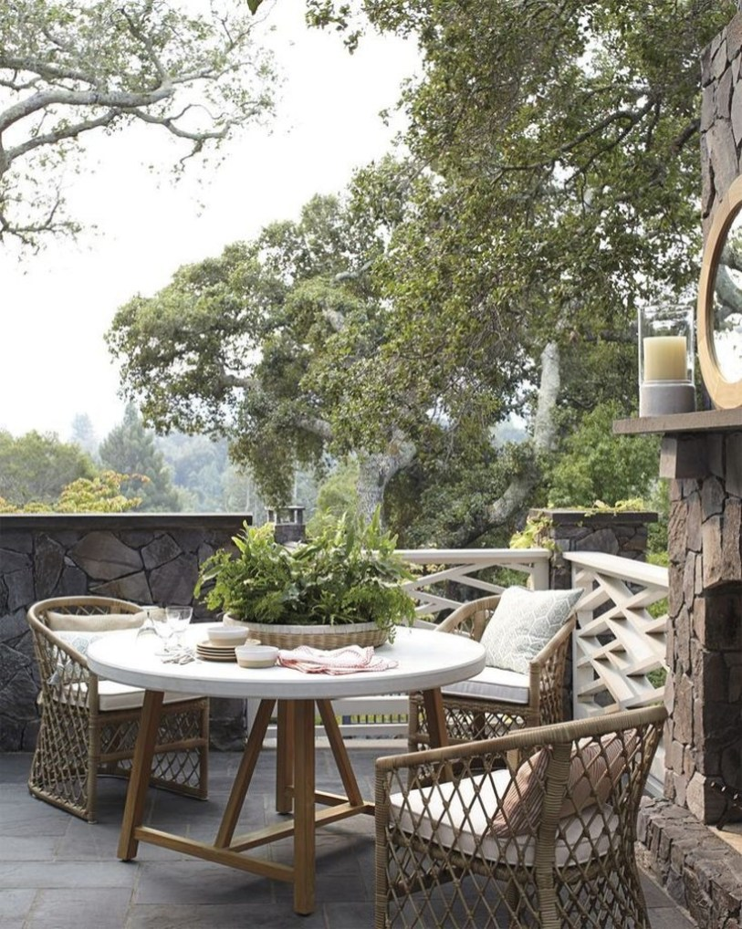 Backyard Patio Ideas That Will Amaze and Inspire You 31