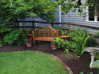 Beautiful Backyard Landscaping Design Ideas With Low Maintenance 11